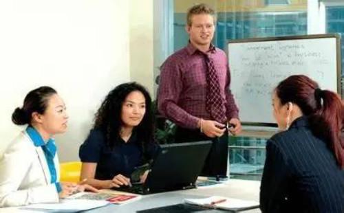 在线英语培训,亲身经历说下在线英语一对一培训哪家好!