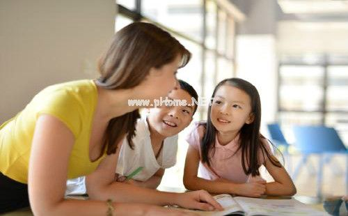 在线英语培训哪家好?阿卡索便宜吗?