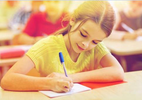 在线英语培训班哪个好?阿卡索外教课程怎么样?