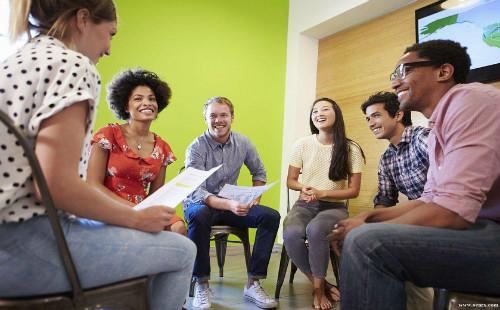 在线英语培训哪家好?想学习地道的英语就来阿卡索!