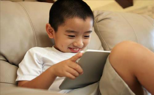 网上学英语哪家好?在为什么很多家长认可阿卡索?