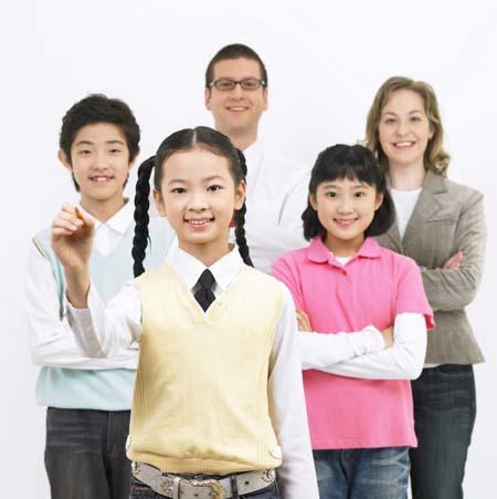 中小学网上英语培训有什么优势?适合10岁以下孩子学习吗?